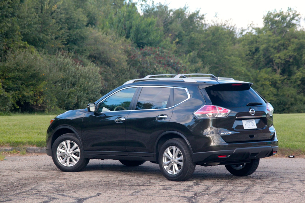 2014 nissan rogue sv how big can compact get sam 39 s thoughts. Black Bedroom Furniture Sets. Home Design Ideas