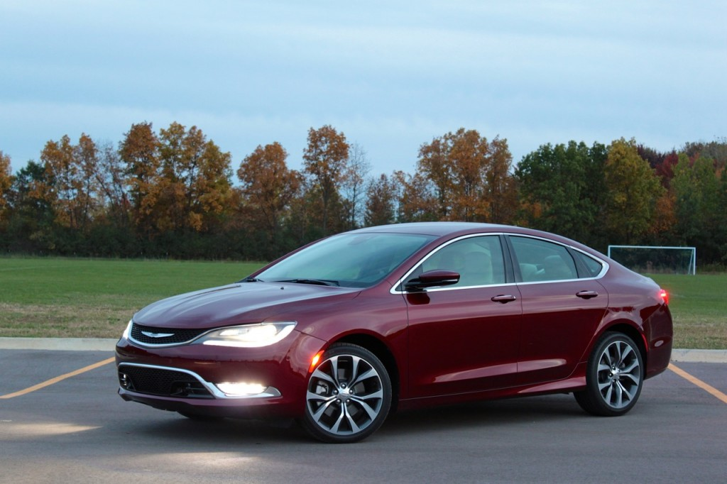 2015 Chrysler 200C 04
