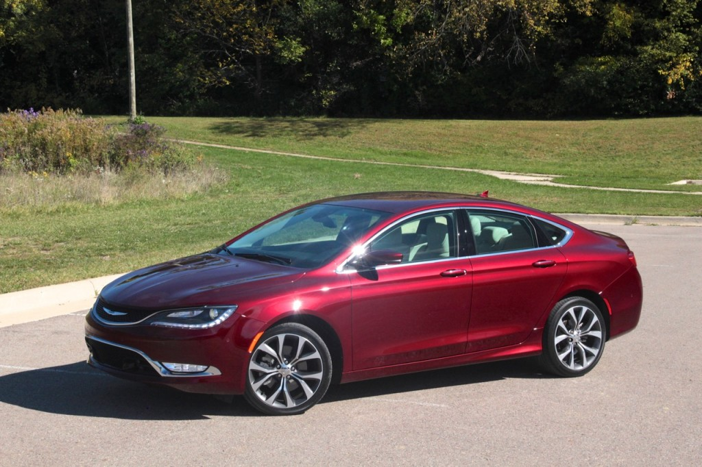 2015 Chrysler 200C 07