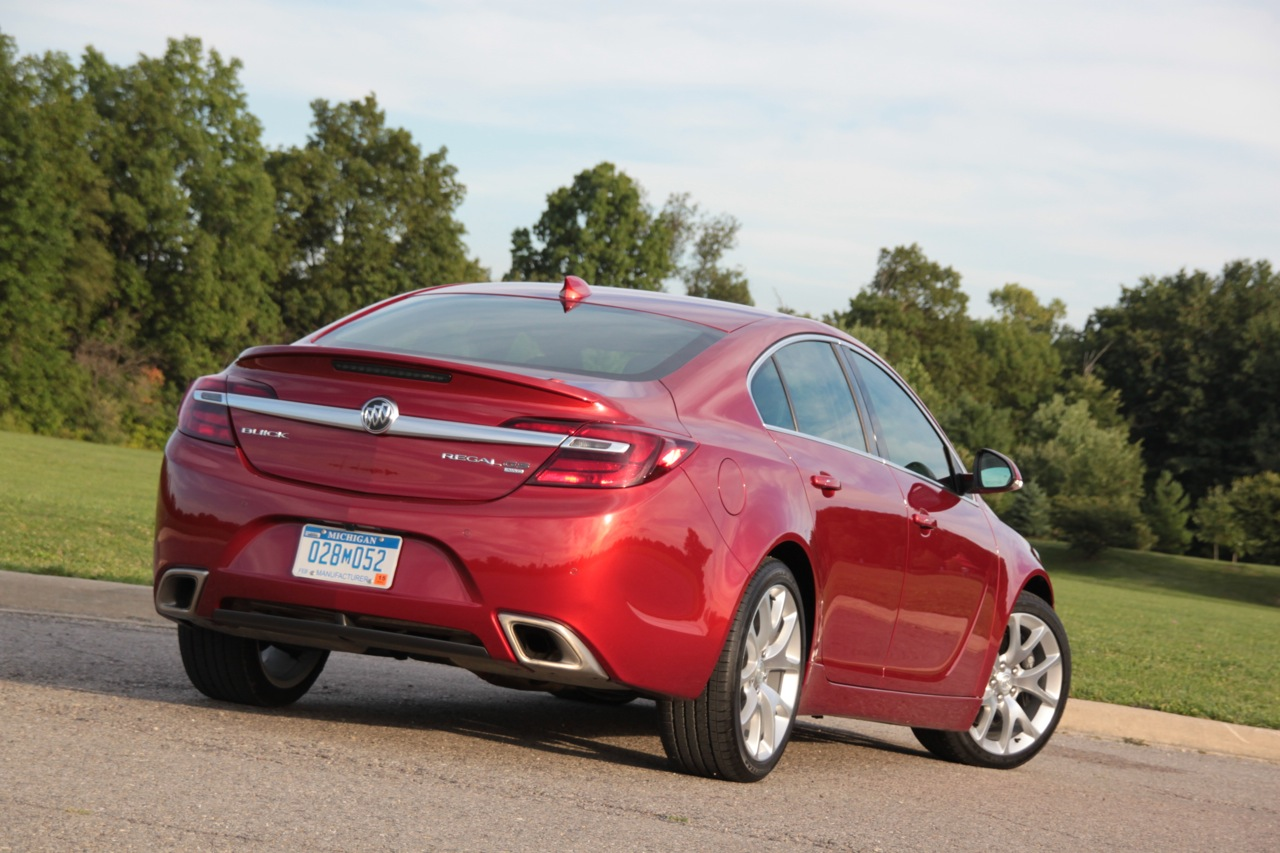 news carsnews buick reviewing regal in gs awd turbo