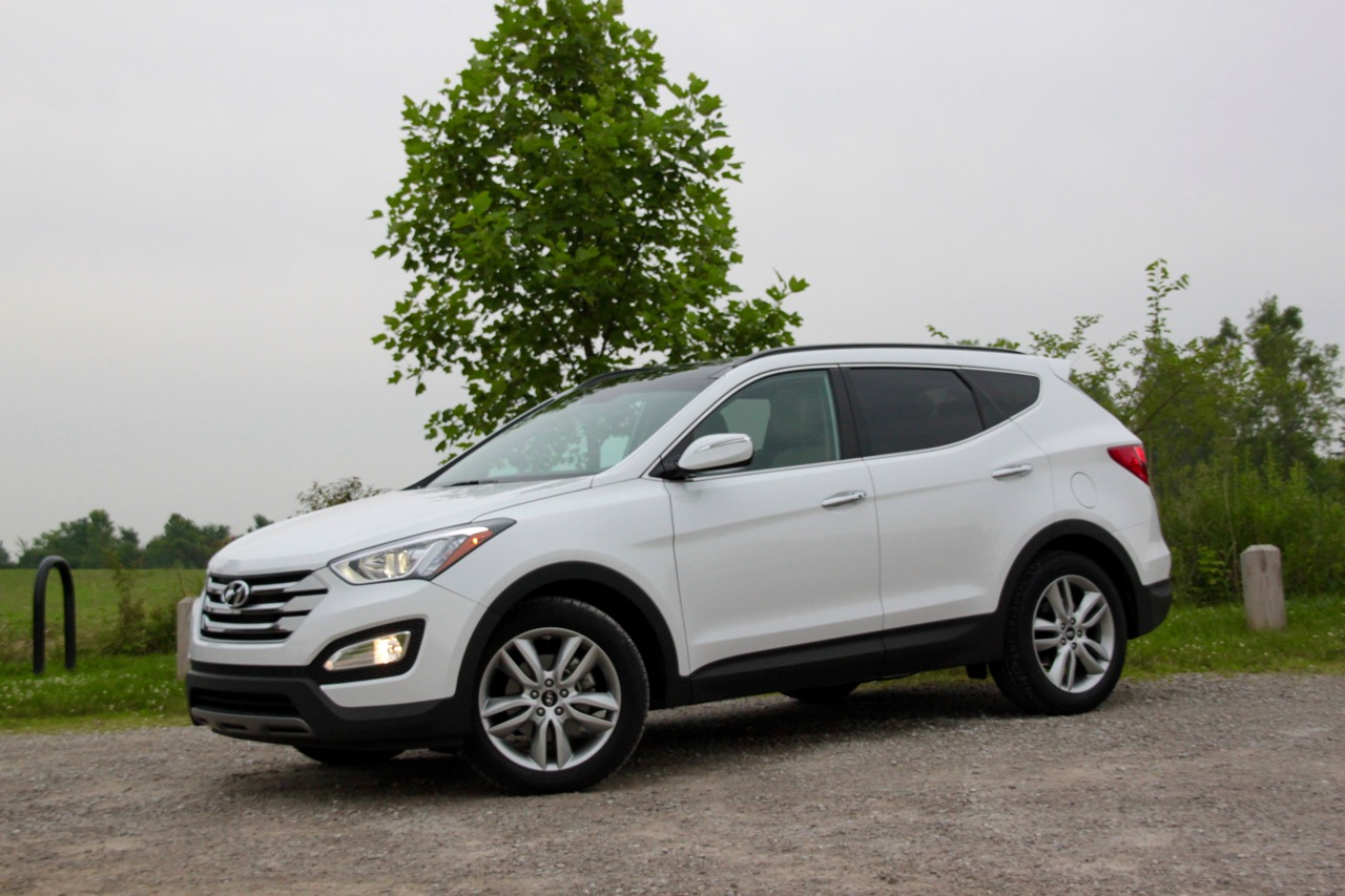 2015 hyundai sante fe sport plenty of utility not so much sport sam 39 s thoughts. Black Bedroom Furniture Sets. Home Design Ideas